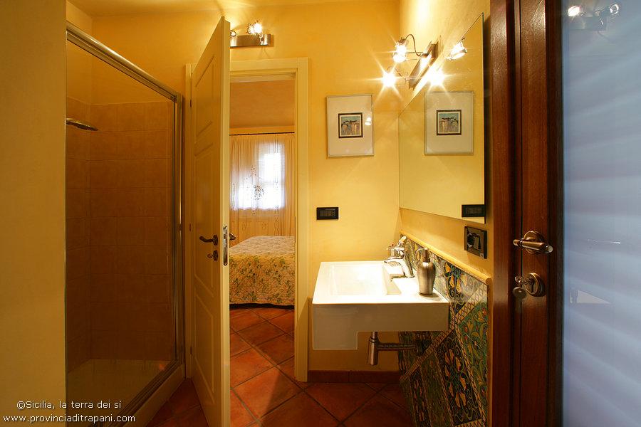 Bagno master room con doccia