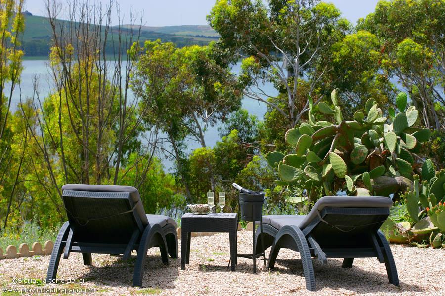 Relax al sole con vista sul lago